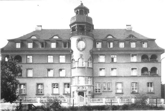 Fotografie: Schwesternhaus des Vereins für jüdische Krankenpflegerinnen zu Frankfurt am Main, Frontansicht, Bornheimer Landwehr 85, Frankfurt a.M.