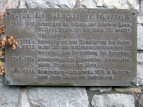 Fotografie: Genesungsheim der Kann-Stiftung, Gedenktafel
