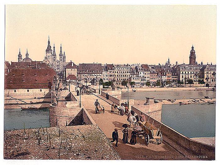 Ansicht: Franken - Würzburg, Ansicht / Würzburg (Herkunftsort Frankfurter jüdischer Krankenschwestern), Ansicht mit alter Mainbrücke, um 1890 bis 1900