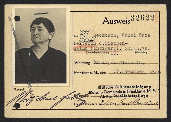 Passfoto von Oberin Rahel Seckbach, 19.11.1940